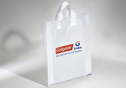 PLASTIC CARRIER BAG WITH SOFT HANDLES  | FORMBAGS SpA