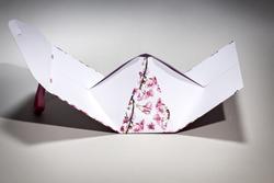 Bolsa bauletto piramidal en papel manual | FORMBAGS SpA