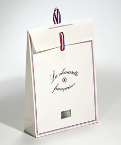 Shopping bag in carta manuale con patella | FORMBAGS SpA