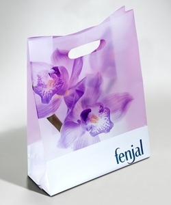 PLASTIC CARRIER BAG WITH DIE-CUT HANDLE  | FORMBAGS SpA